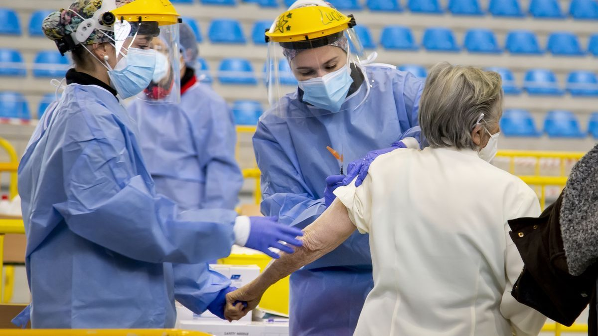 Vacunación masiva contra el coronavirus en Ciudad Rodrigo (Salamanca).
