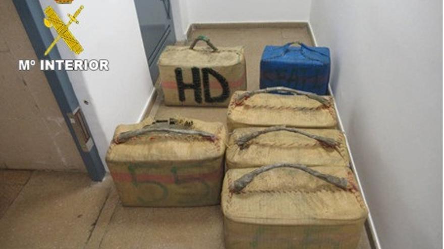 Siete detenidos y 800 kilos de hachís incautados en la costa de Granada