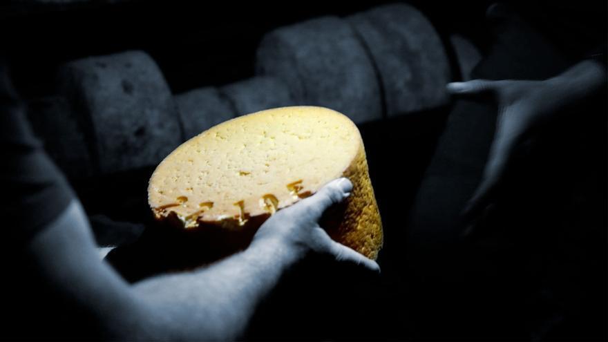 El sector agroalimentario asturiano, en alerta por el nuevo y polémico etiquetado