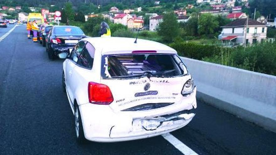 Seis vehículos implicados en una colisión por alcance en la autovía A-55 en Mos