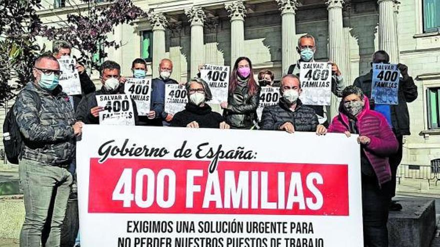 Los trabajadores del Oliva Beach logran 25.000 firmas en defensa de su hotel