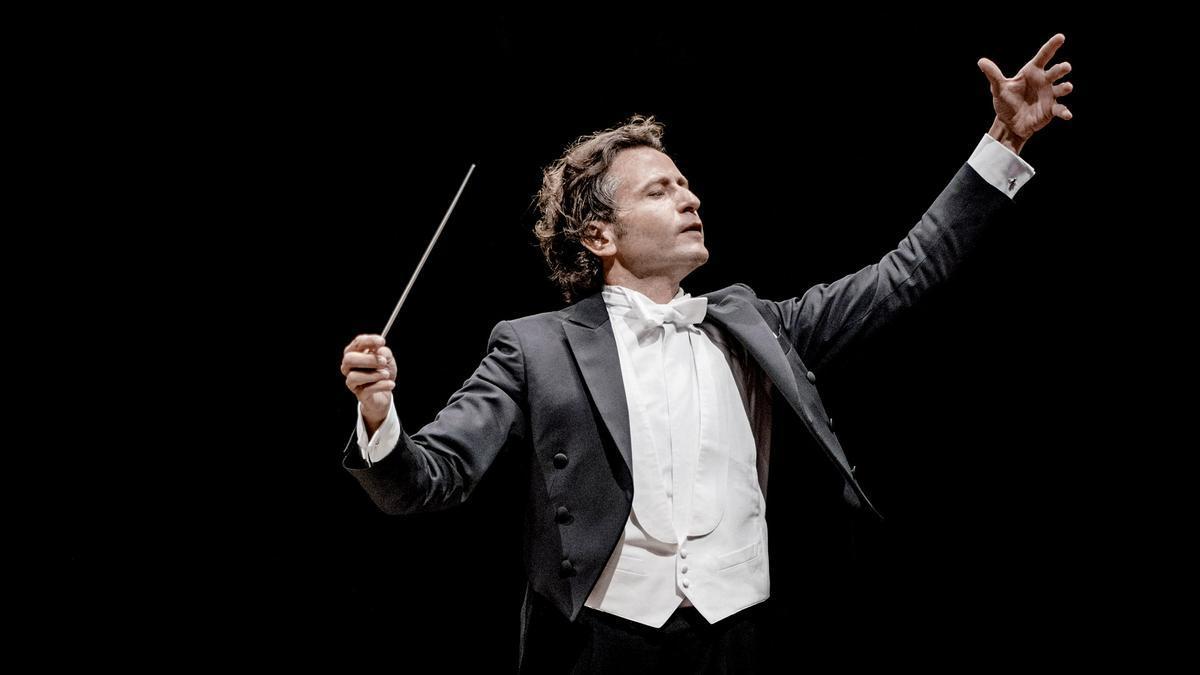 El director valenciano Gustavo Gimeno.