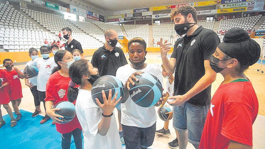 El Bàsquet Girona fa més forta la seva base amb l'absorció del CEB Girona