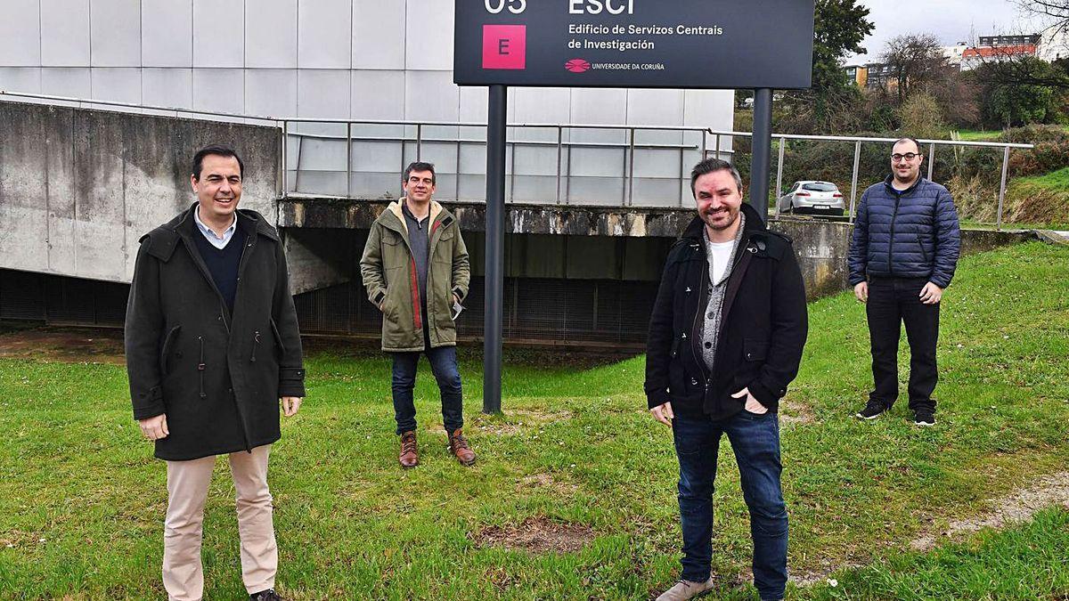 Manuel Pérez, Juan Jesús Romero, Adrián Carballal y Francisco Cedrón, de la empresa Artificial Intelligence Indesta en el campus de Elviña.   // V. Echave
