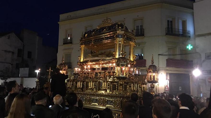 El Santo Sepulcro cierra el Viernes Santo... como Dios manda