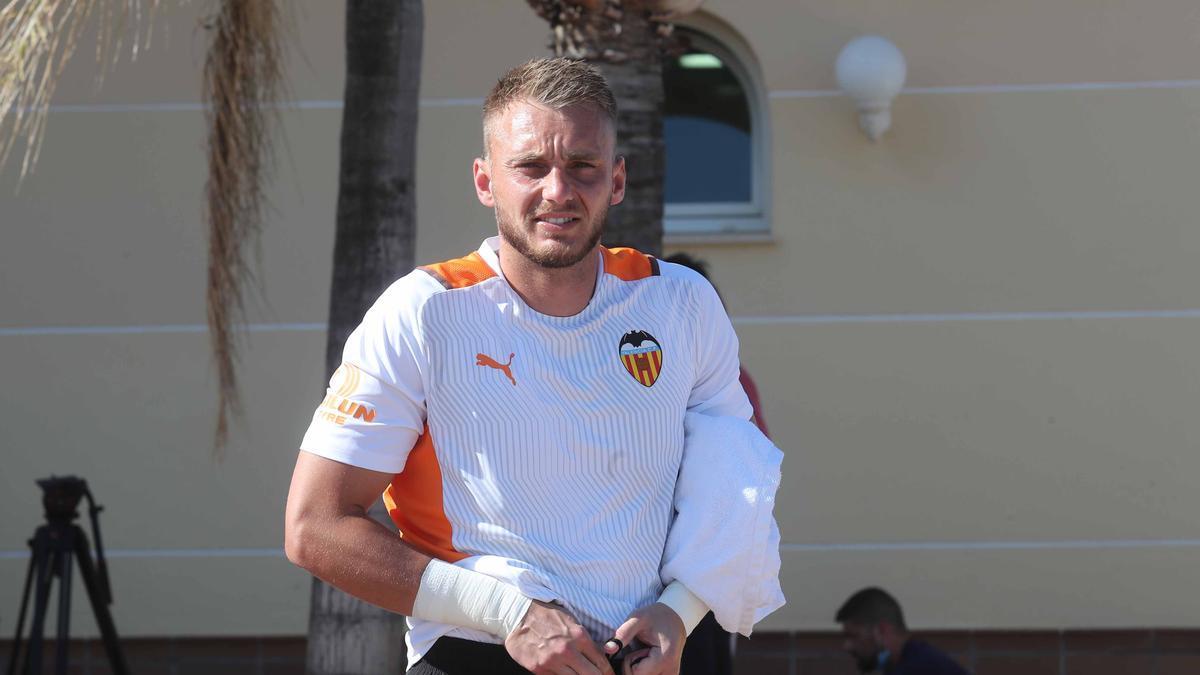 Otro contratiempo en la portería del Valencia CF: Cillessen