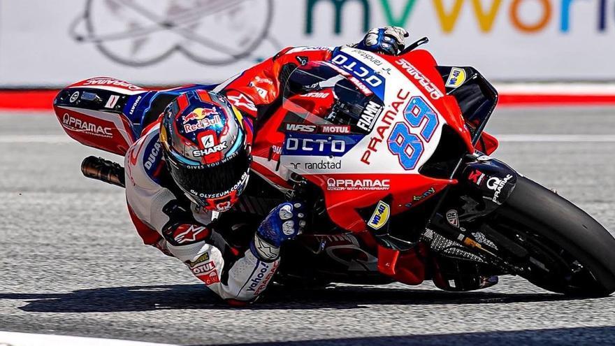 Un devastador Jorge Martín celebra la seva primera victòria en MotoGP des de la pole