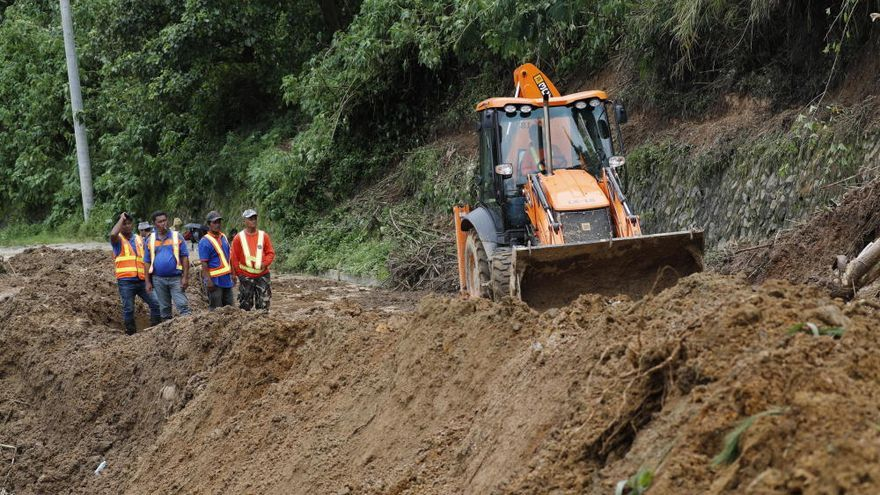 Cien personas sepultadas en un mina en Filipinas