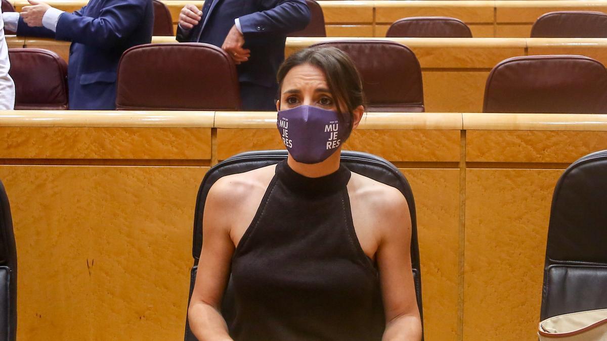 La ministra de Igualdad, Irene Montero, en una sesión de control al Gobierno.