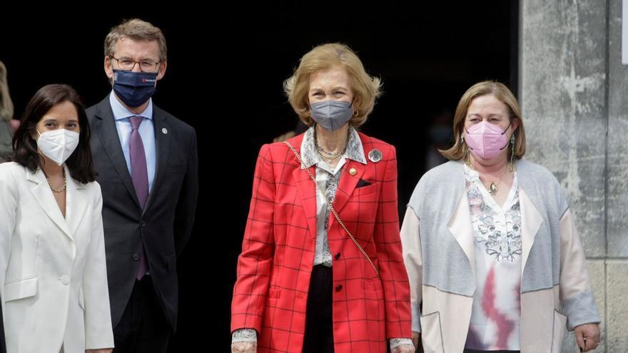 La reina Sofía conoce la labor de los voluntarios del Banco de Alimentos