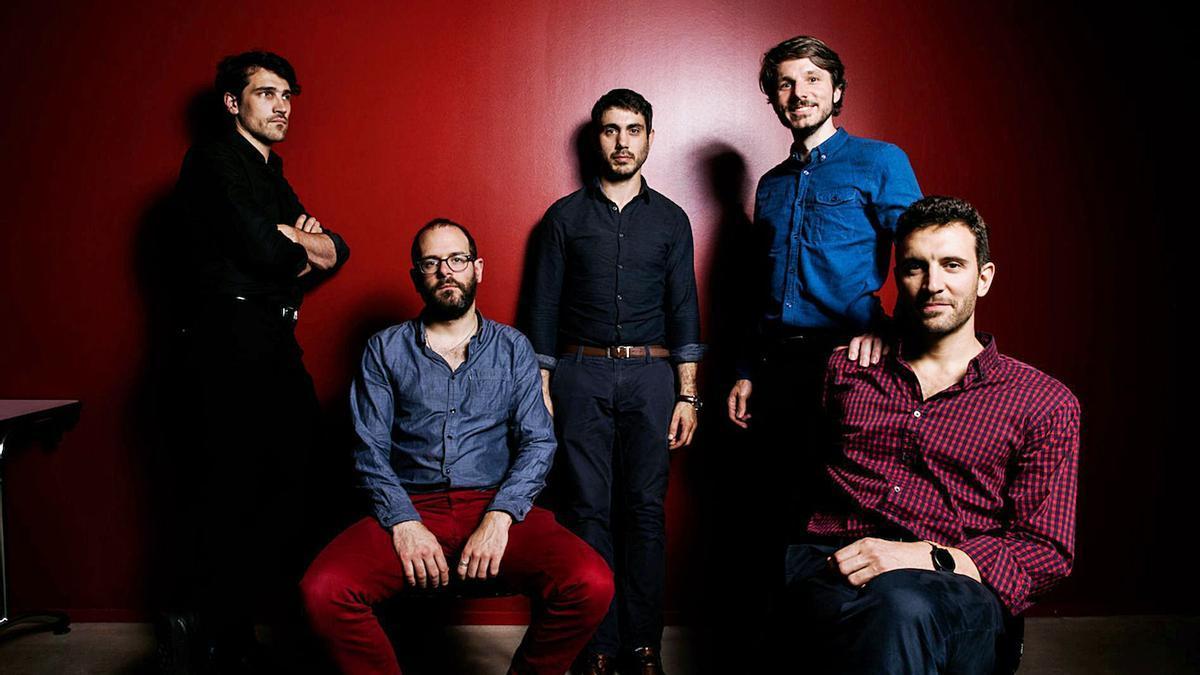 El quinteto francés Ozma, con su compositor,  Stéphane Scharlé a la derecha.     EL DÍA