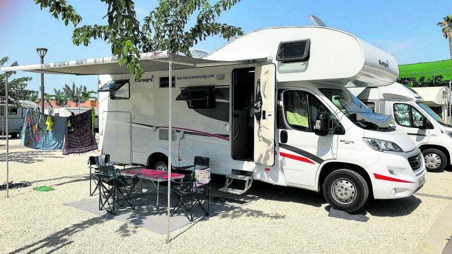 La fiebre de los viajes 'burbuja' por la covid dispara el alquiler de autocaravanas en Málaga