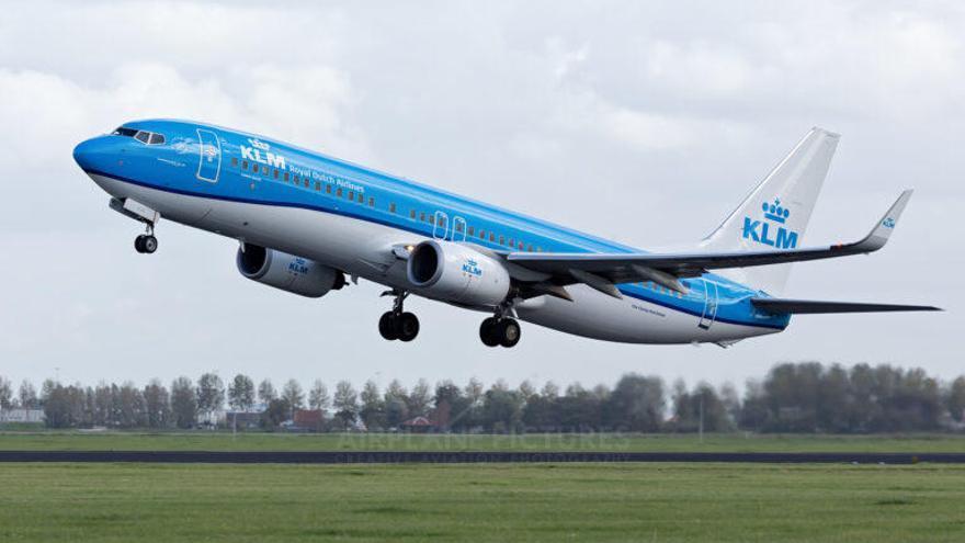 La aerolínea KLM protagoniza el primer vuelo de la historia con carburante ecológico