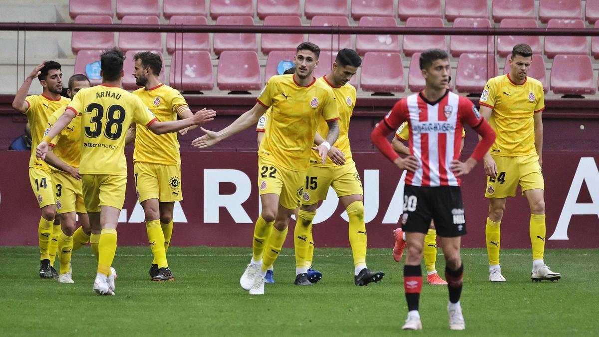 Els jugadors del Girona celebren un dels quatre  gols al Logronyès.  lof
