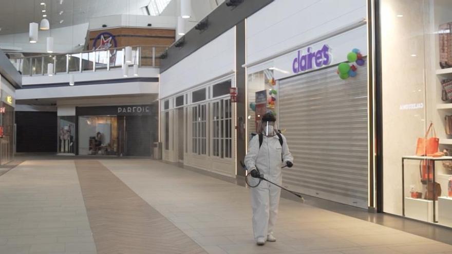 Los centros comerciales piden abrir el lunes con independencia de la fase