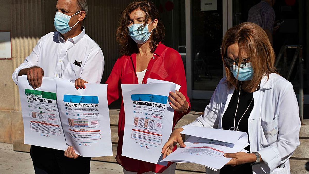 Casto López, Clara San Damián y Montse Chimeno presentan el calendario vacunal de la próxima semana