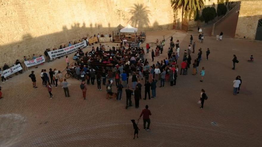 Protesta antivacuna en Ses Voltes