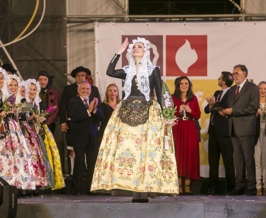 Sonia López Pérez de la hoguera Carolines Baixes, Dama del Foc 2019.