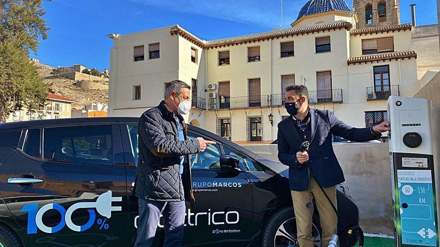 Orihuela lidera la red de  recarga de coches eléctricos