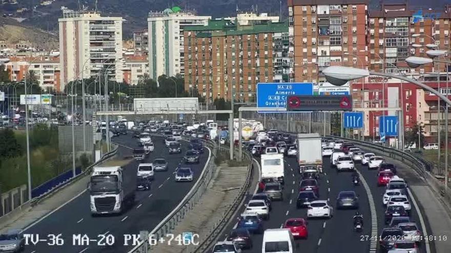 Una colisión en el túnel de Carlos Haya provoca fuertes retenciones a la entrada de Málaga