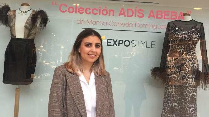 La diseñadora Marta Caneda expone una colección en The Style Outlets
