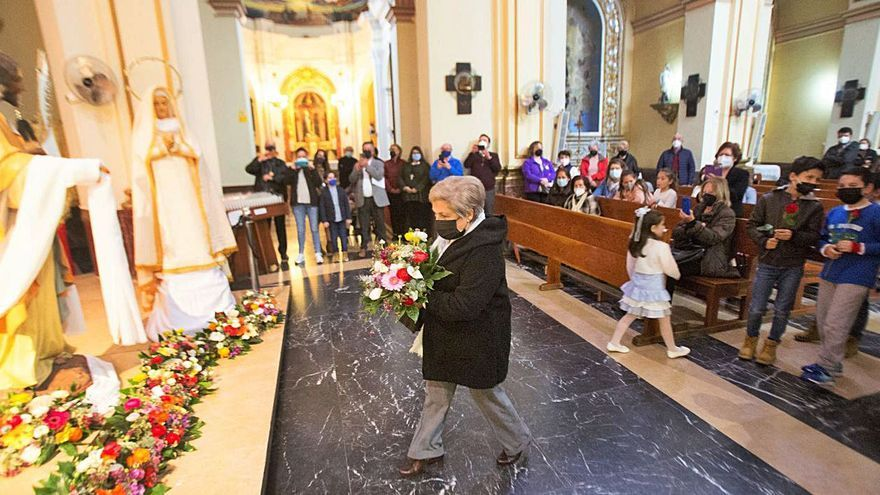 Flores y esperanza para cerrar la Semana Santa