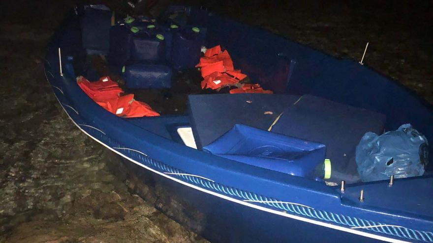 Llegan 13 migrantes en una nueva patera a Formentera