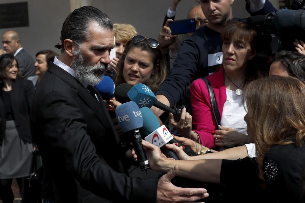 ANTONIO BANDERAS RECIBE EL GALARDÓN CAMINO REAL ...