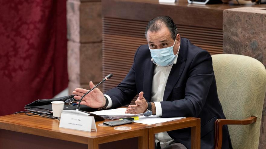 """Trujillo dice que bajar la lista de espera es una """"prioridad"""" del Gobierno"""