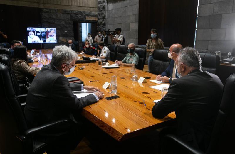 Reunión de la Junta de Seguridad, presidida por Ángel Víctor Torres