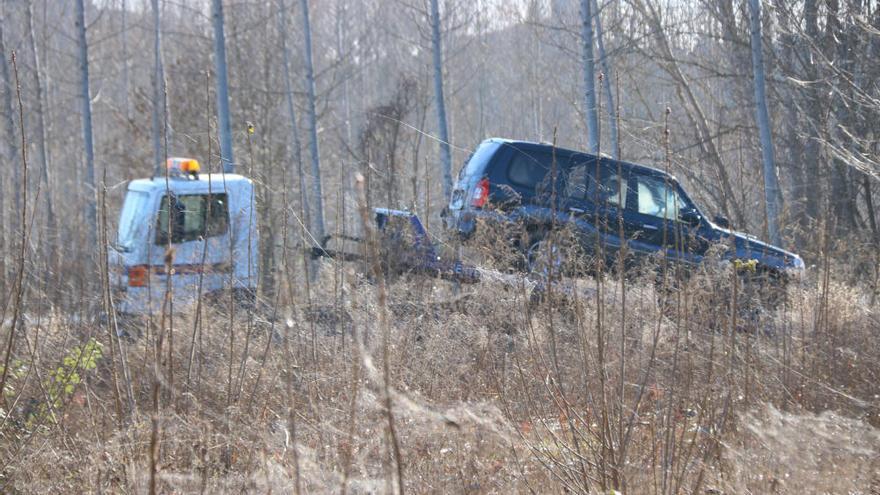 Troben el cos del jove de 20 anys desaparegut a l'interior del tot terreny enfonsat a la sèquia de Sils