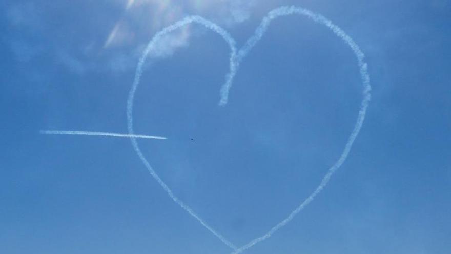 El piloto fallecido en Murcia le había pedido matrimonio a su mujer tras una exhibición de la Patrulla Águila