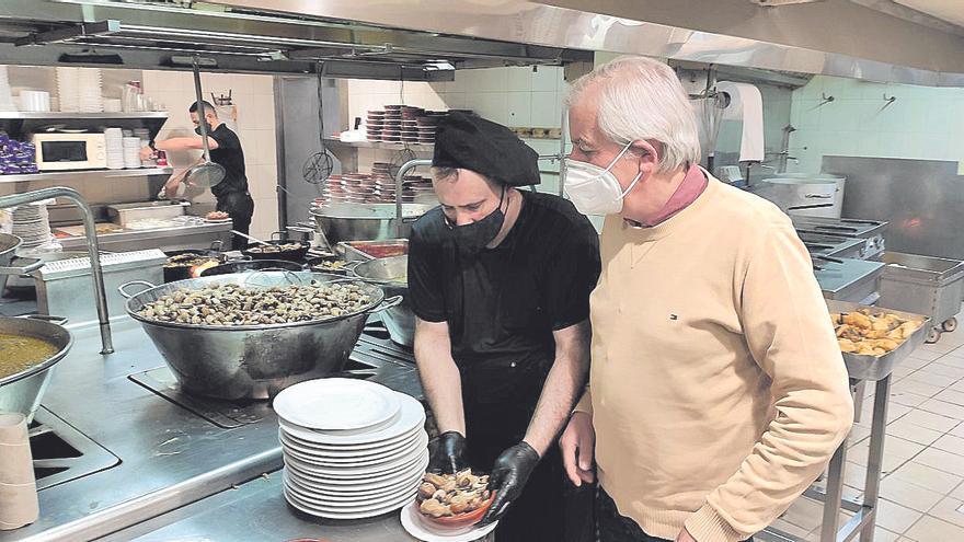 Tres toneladas de caracoles en el restaurante Es Cruce por Sant Marc