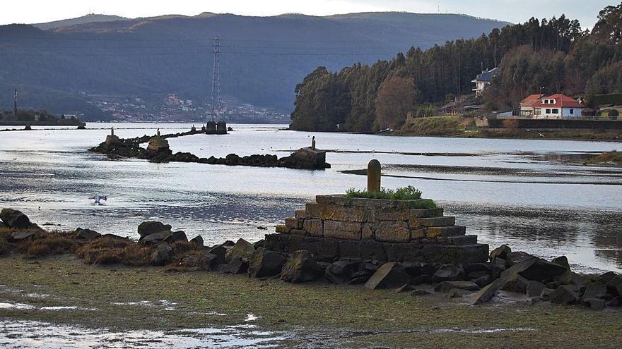 La cofradía de Redondela quiere retirar el antiguo canal de navegación de A Marisma