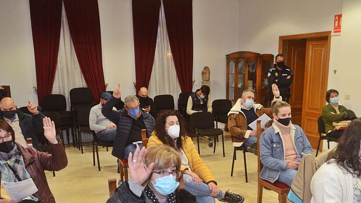 Un momento de la celebración de un pleno de Vilanova de Arousa. |  // IÑAKI ABELLA
