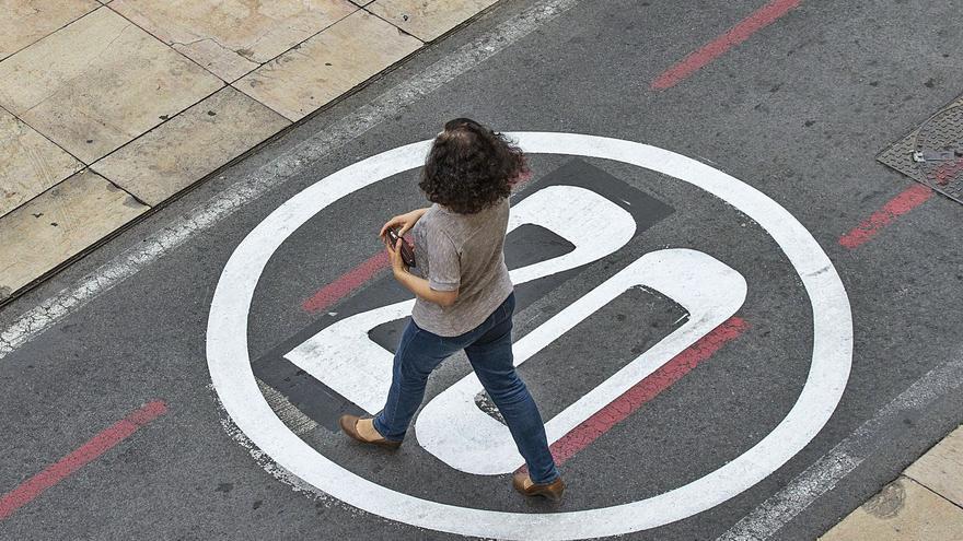 Alicante semipeatonaliza cien calles al limitar la velocidad a 20 km por hora
