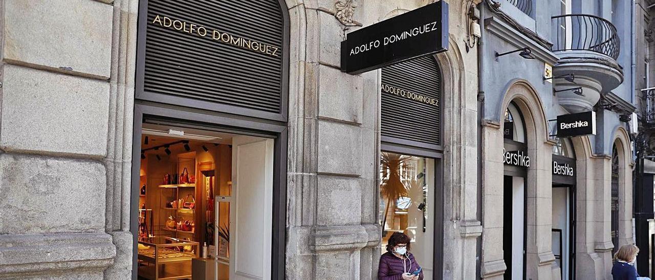 Tienda de Adolfo Domínguez en Vigo.     // PABLO HERNÁNDEZ GAMARRA