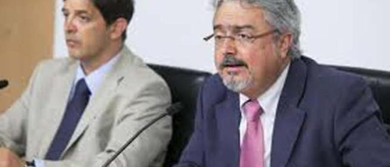 El pacto se mantiene en el Gobierno de Canarias y en los ayuntamientos