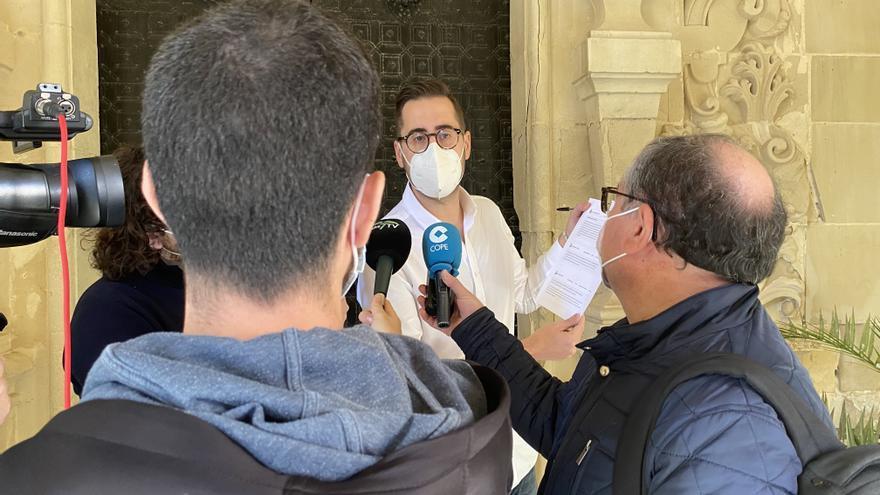 """El PP denuncia al alcalde de Elche por hacer """"uso partidista"""" de los medios del Ayuntamiento"""