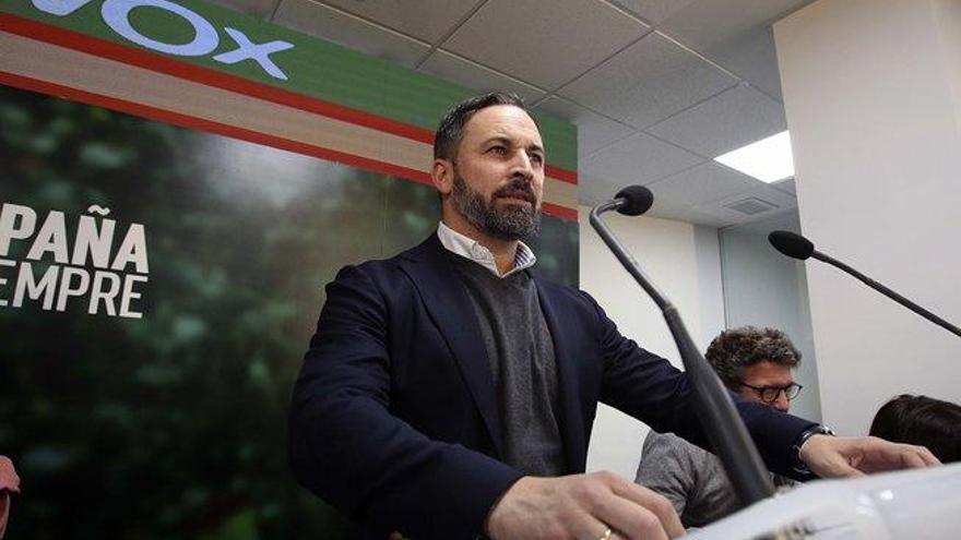 """Abascal acusa a Sánchez de """"fraude electoral"""" por pactar con Iglesias"""