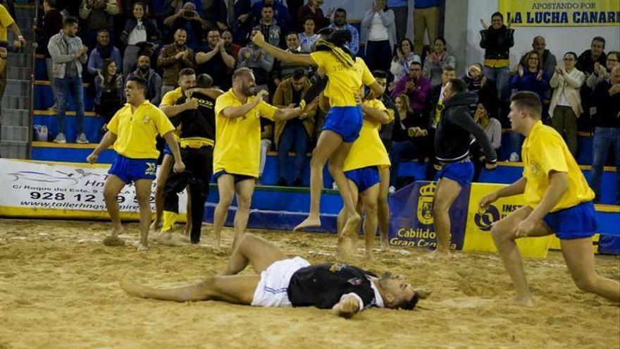 La Lucha Canaria regresa a los terreros tras 20 meses de parón