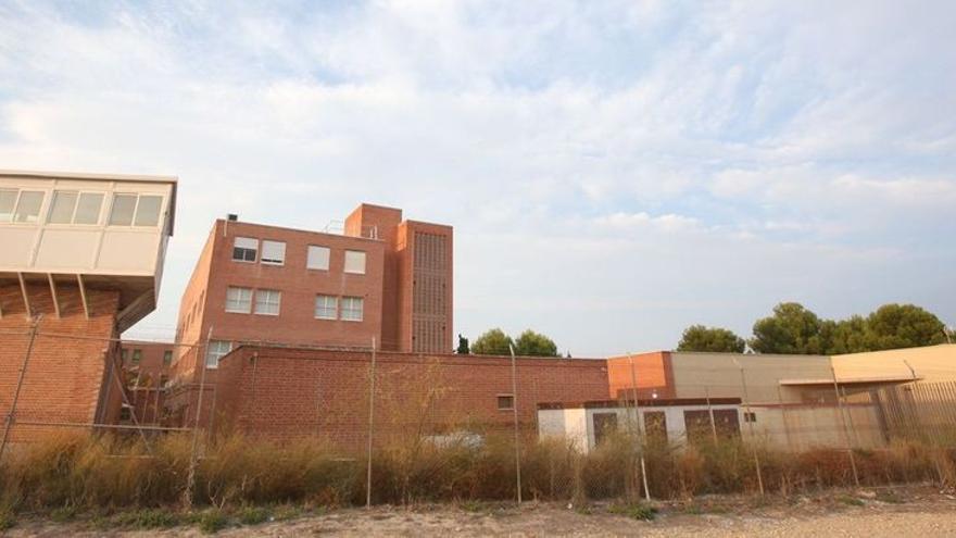 Confinan a 400 presos de Fontcalent tras 49 casos positivos
