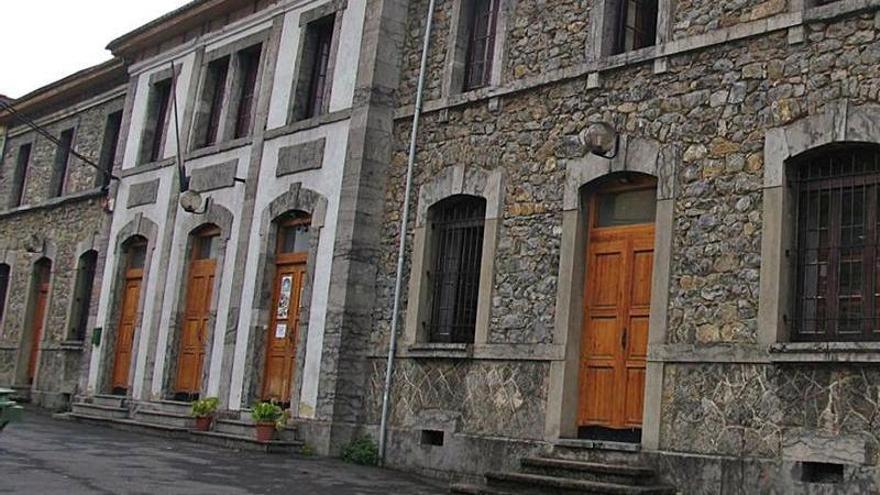 Aller reabrirá el albergue de Felechosa, que cumple ya un lustro sin actividad