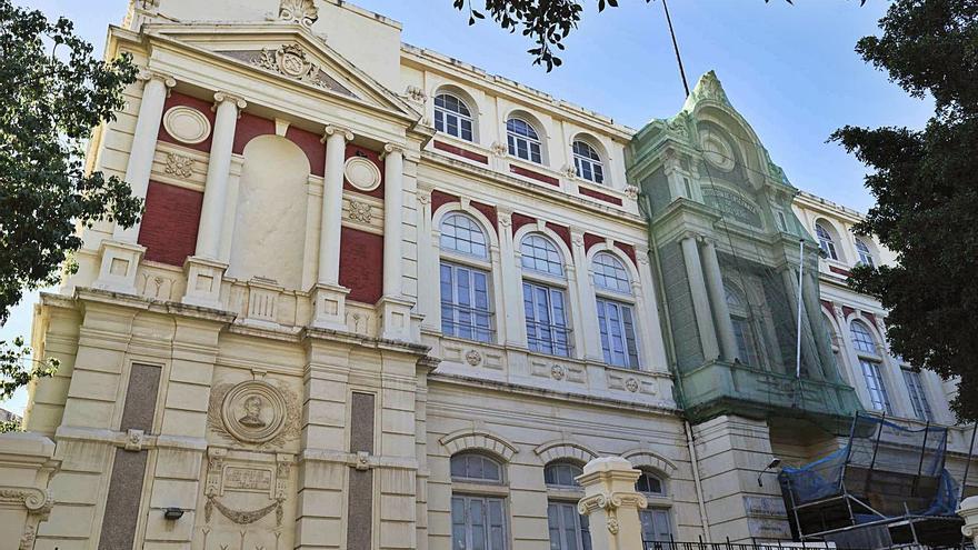 Patrimonio prevé demoler el tercer piso de la vieja escuela de comercio