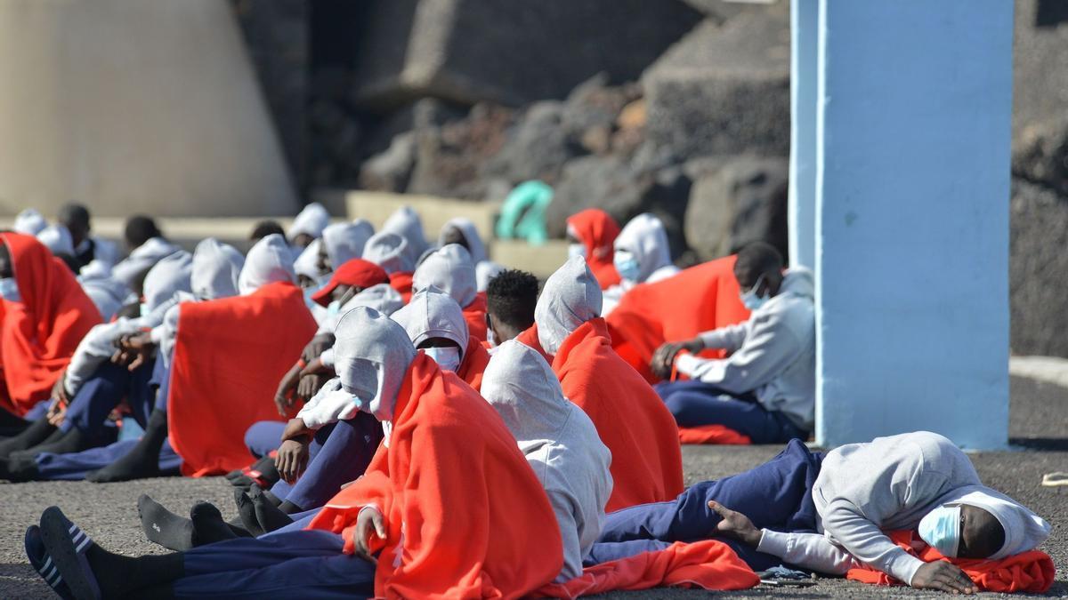Imagen de archivo de un grupo de migrantes en La Restinga.