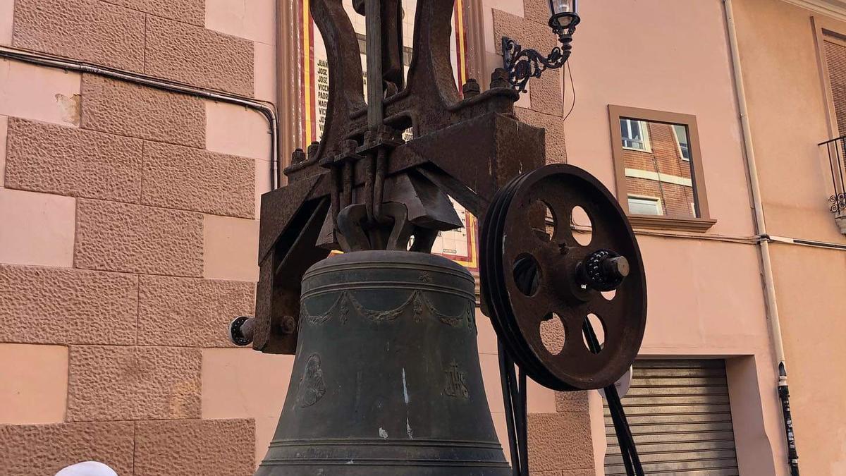 Una de las campanas de Rafelbunyol