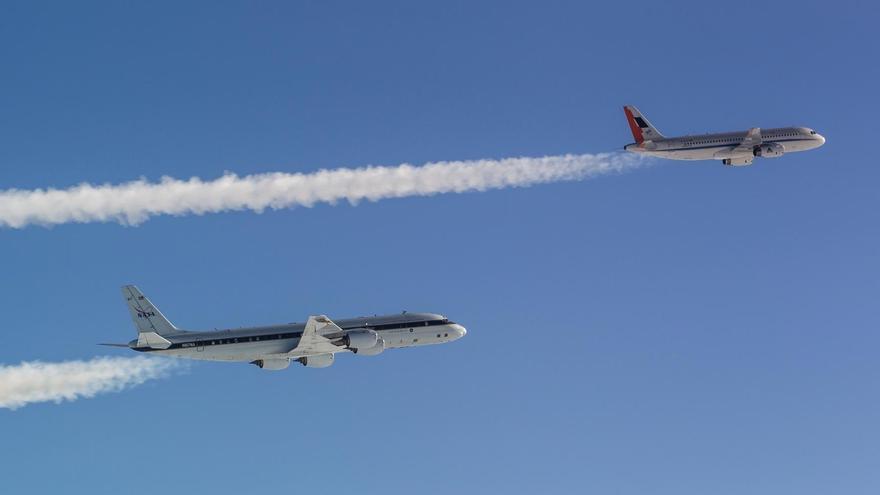 ¿Cómo reducir el impacto climático de las estelas de los aviones?