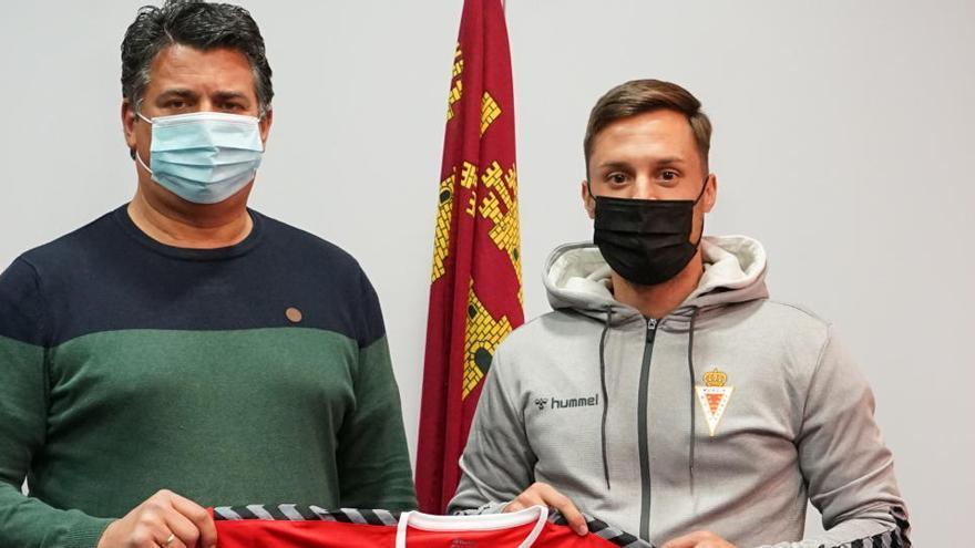 Adán Gurdiel, primer fichaje de invierno del Real Murcia