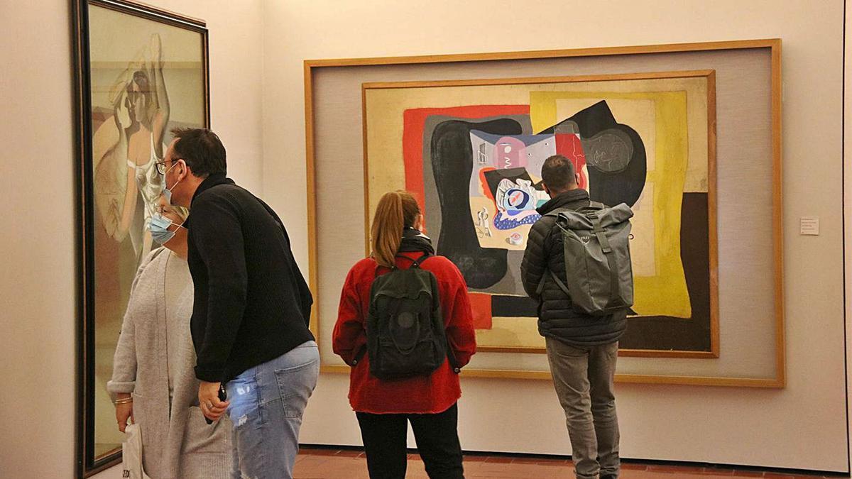 Visitants al Teatre-Museu Dalí de Figueres