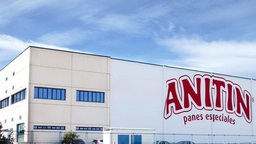 Anitin invierte 11 millones en la puesta en marcha de una nueva línea de producción de pan tostado